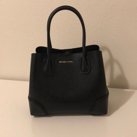 49c6e3274b94 Micheal Kors Mercer Gallery Pebbled Leather. M_5b79063c81bbc84704f201e2.  Other Bags ...